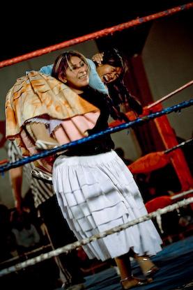 Cholita_wrestling5_boliviaJoel_Alvarez